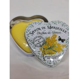 Savon mimosa dans sa boîte